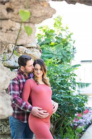 Stunning Maternity Session At Wilder Park Conservatory